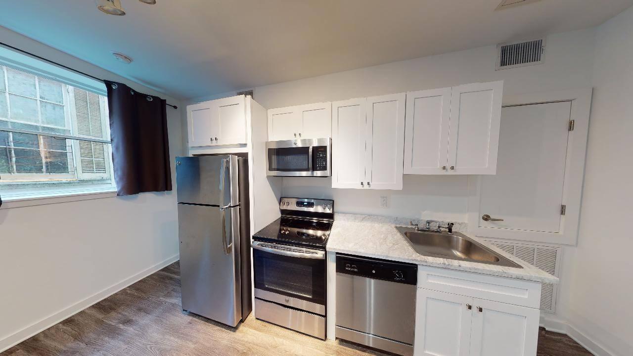 821 Washington unit kitchen
