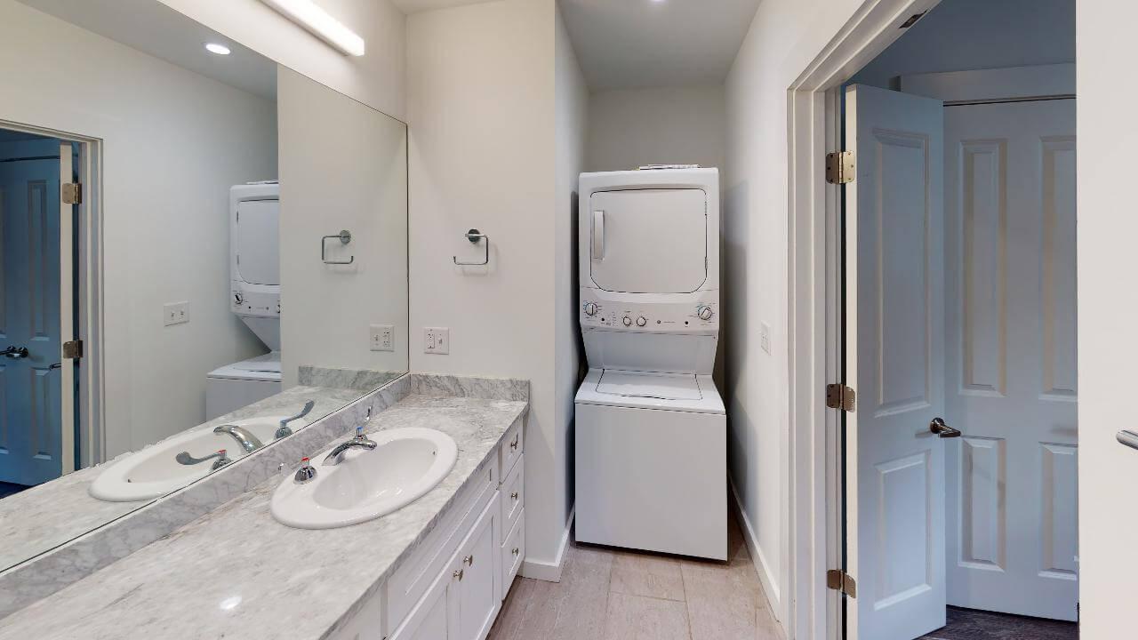 Washer/dryer in bathroom