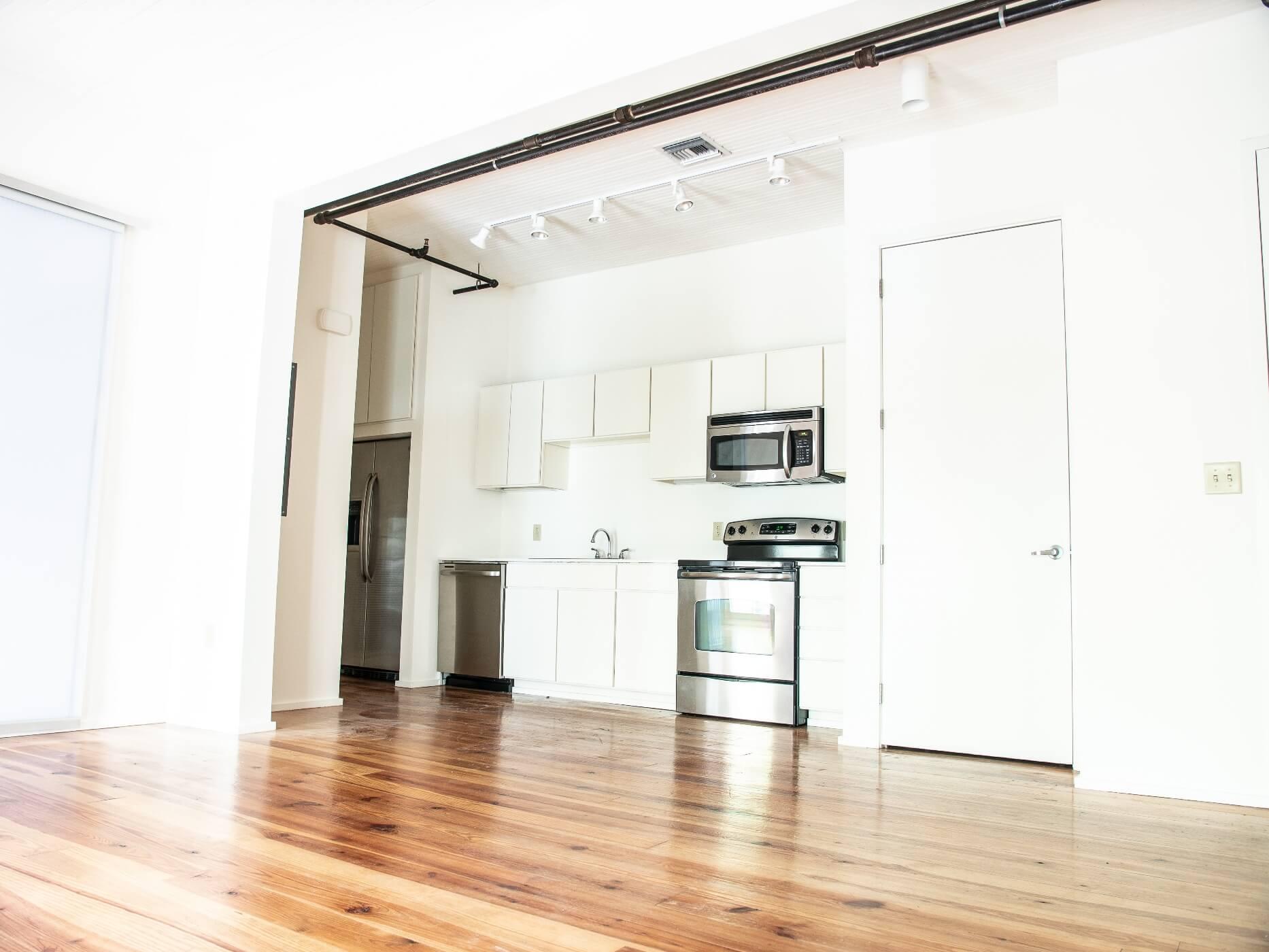 900 Poydras unit kitchen